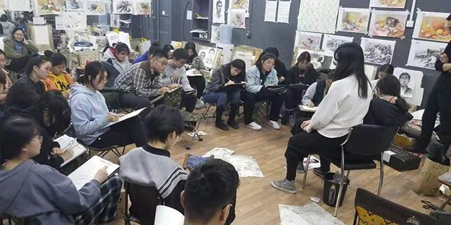 美术考生如何选择画室
