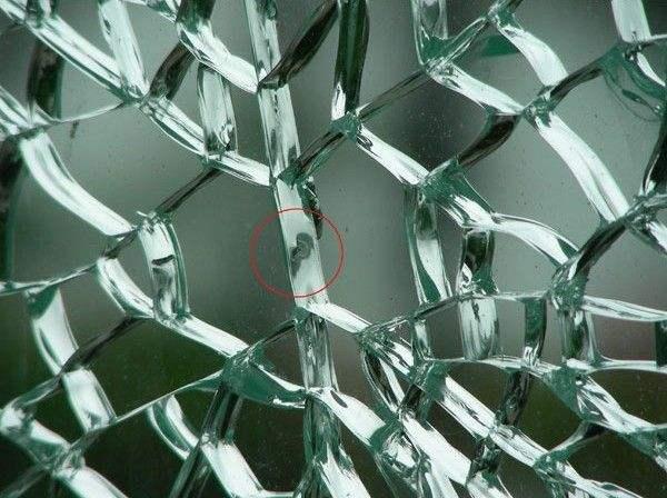 钢化玻璃自爆2.jpg