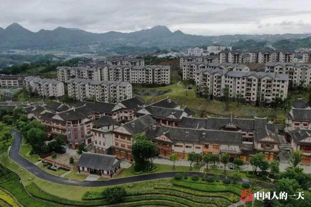 2020年6月,大方县奢香古镇局部,李昌德的新家就在其中.jpg
