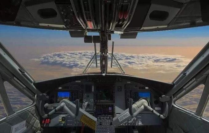 飞机的风挡玻璃1.jpg