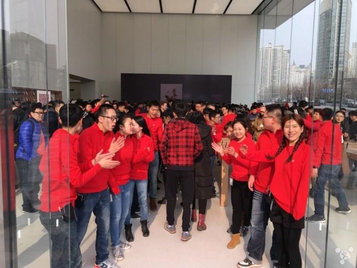 本周五,中国大陆 42 家 Apple Store 零售店将全部恢复营业