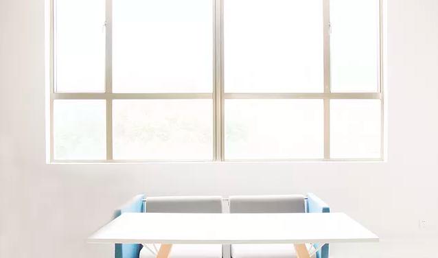 美缝施工时注意关窗.png