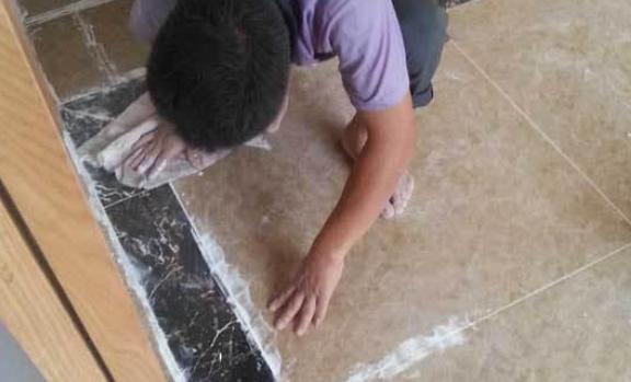 白水泥填缝.png