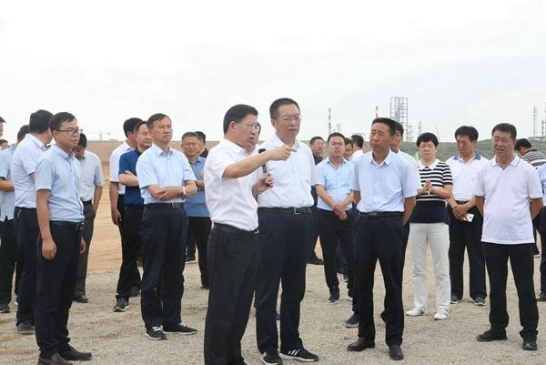 榆林市市长李春林调研新项目建设