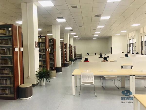 图书馆桌椅