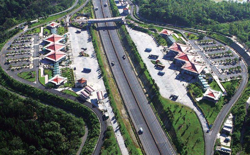 高速公路服务区垃圾压缩站设备
