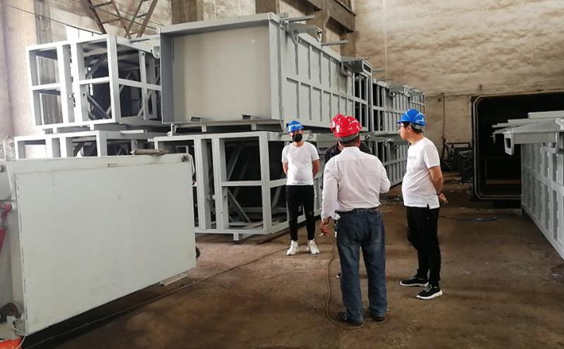 陕西客户五一假期来厂考察地埋式888sl集团娱乐设备