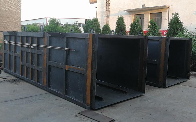 河南德隆重工的垂直式垃圾压缩机压缩箱体