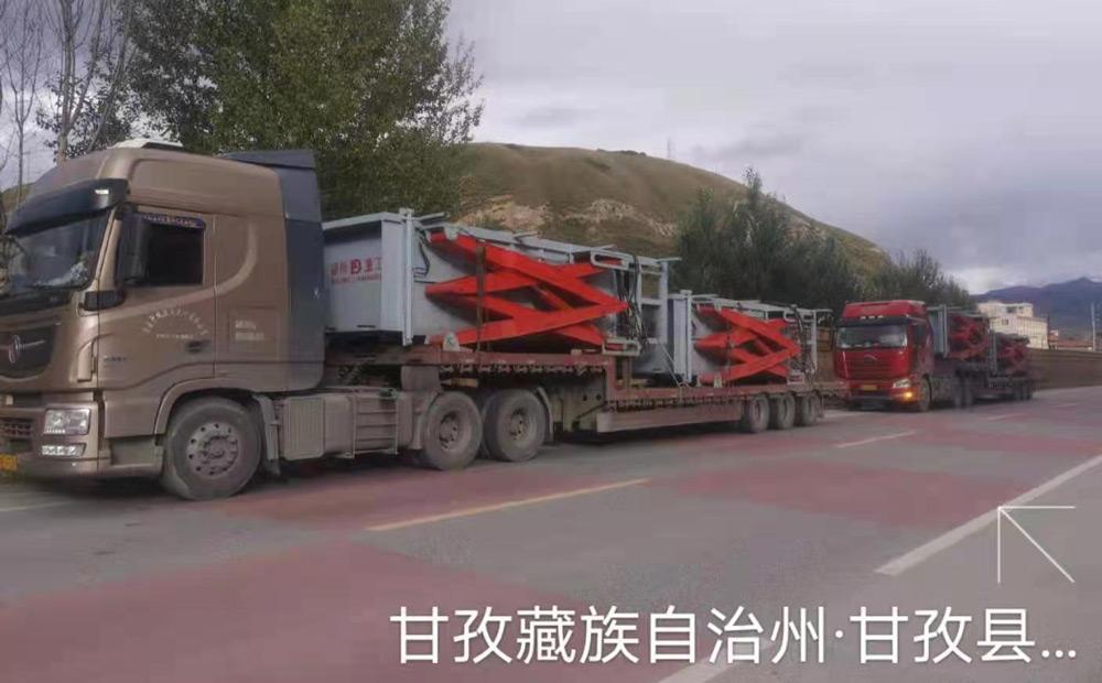 地埋式垃圾中转站安装在四川甘孜高原地区