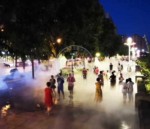 广场人造雾