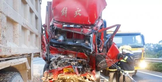 超载货车越线行驶致2人死亡 多方人员被追刑责!