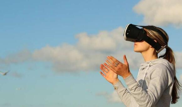 欧雷学院 在课堂上 VR比视频和教科书更具吸引力