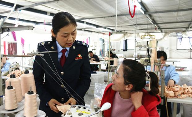 山东菏泽税务:减税降费助力企业轻装上阵