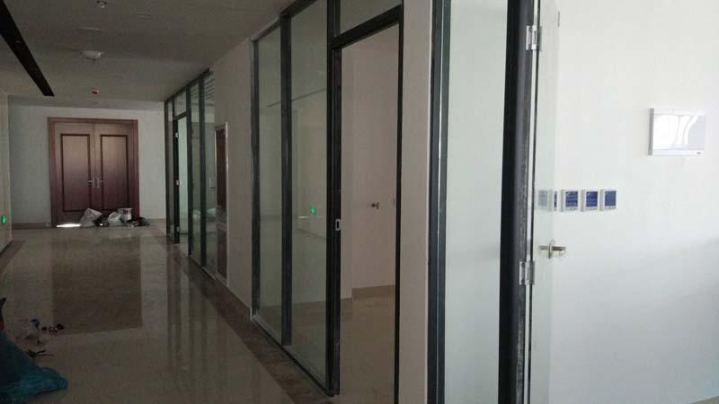 济南双玻透明玻璃隔断