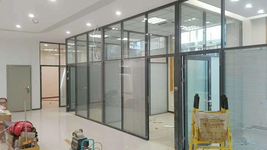 济南玻璃隔断墙