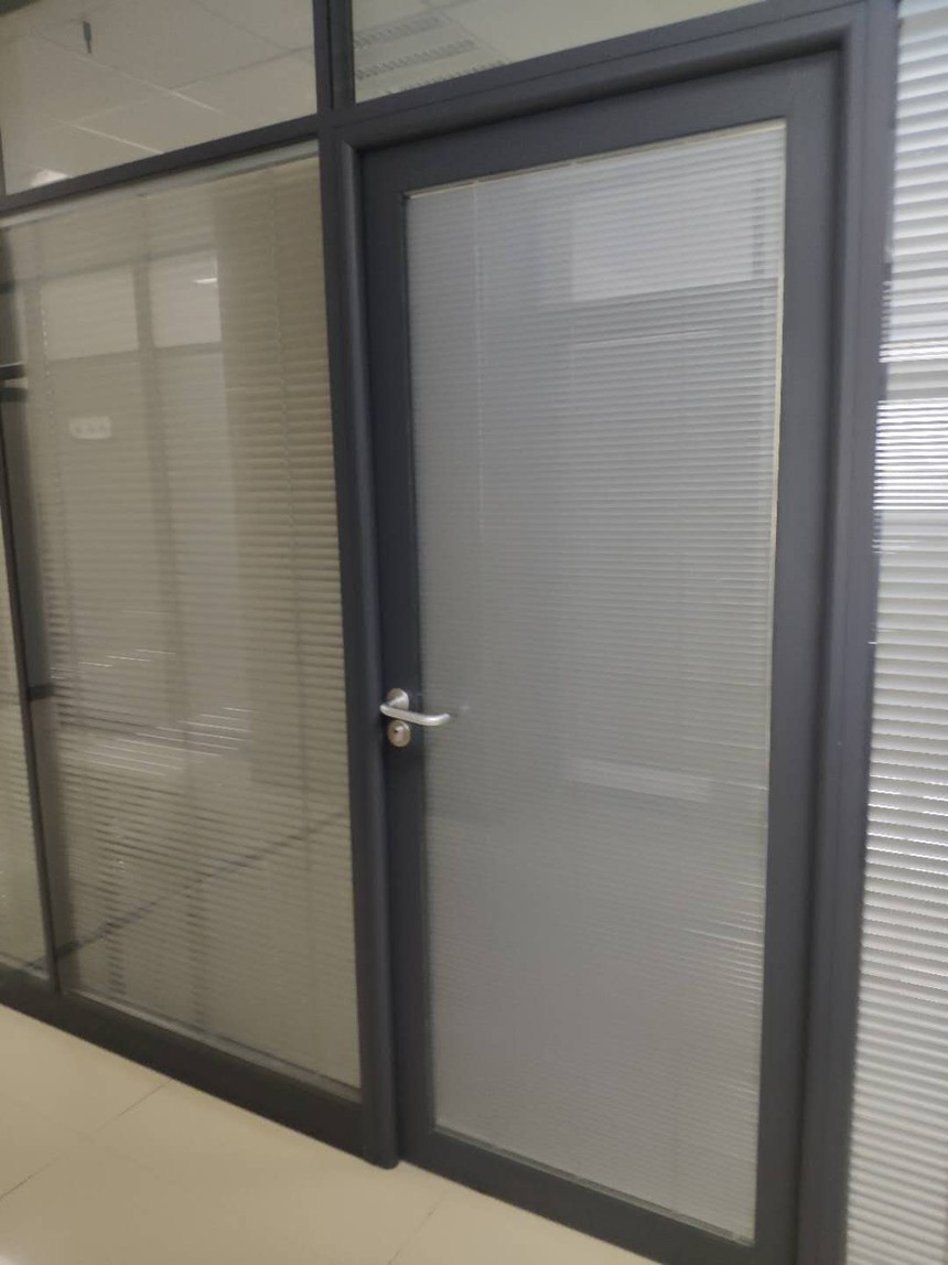 百叶双层玻璃隔断铝框门.jpg