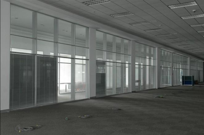 山东聚美隔墙双玻百叶玻璃隔断 (13).jpg