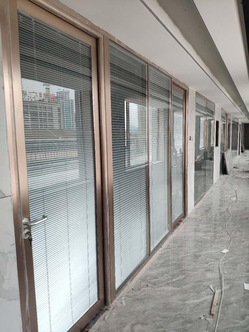 济南玻璃隔断,济南百叶玻璃隔断