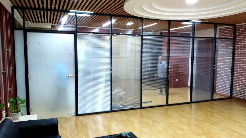 济南玻璃隔断,隔断墙