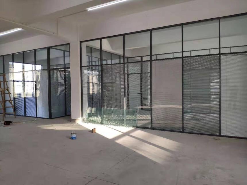 办公室玻璃隔断安装
