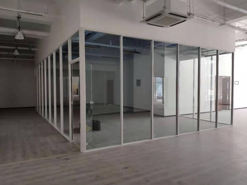 单层办公室玻璃隔断
