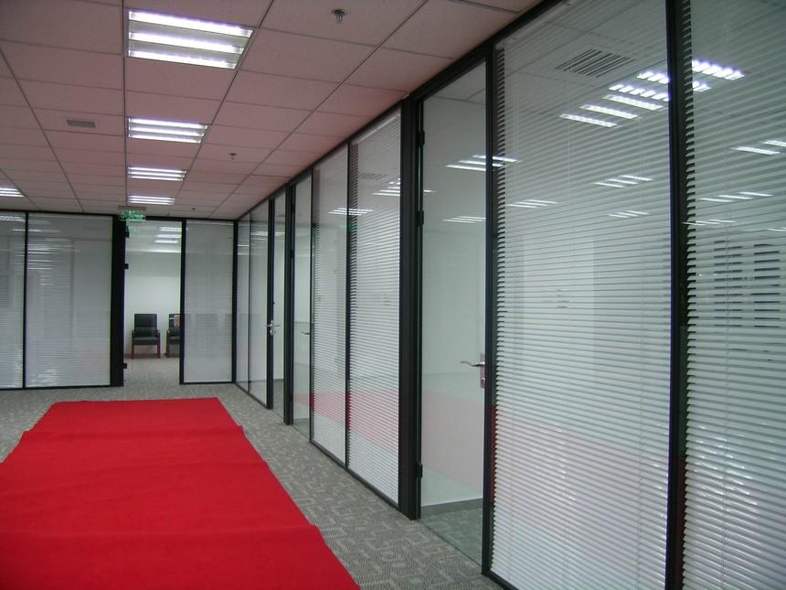 双层玻璃内置百叶玻璃隔断,   济南玻璃隔断墙,  办公室玻璃隔断