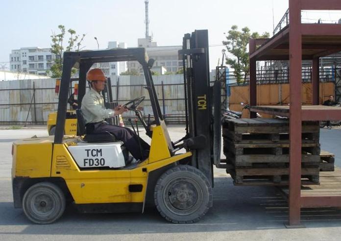 二手叉车车架常见故障的维修方法