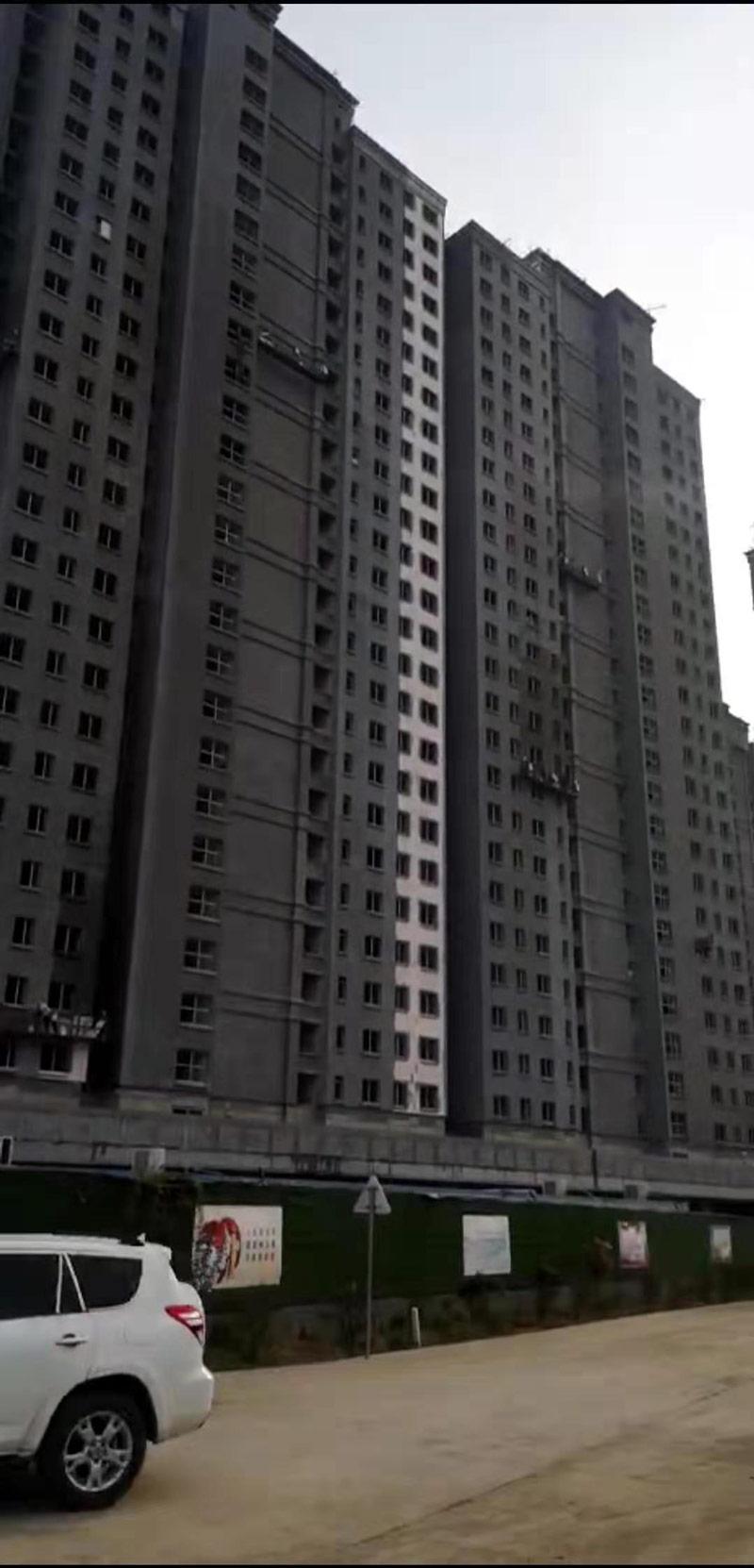玮润置业综合楼外墙保温材料施工