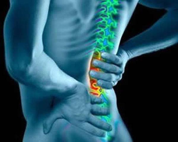 腰扭伤腰椎脱位.jpg