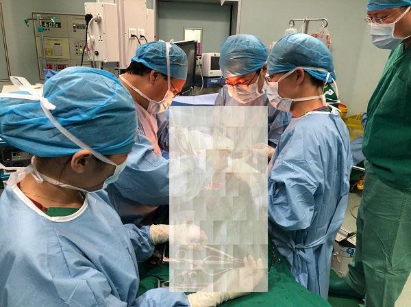 小彤脊柱矫形手术副本.jpg
