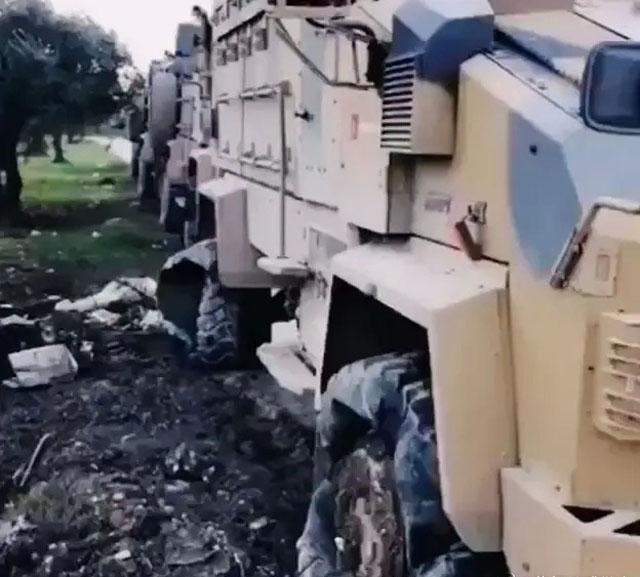 土耳其装甲运兵车 翻了花1.jpg