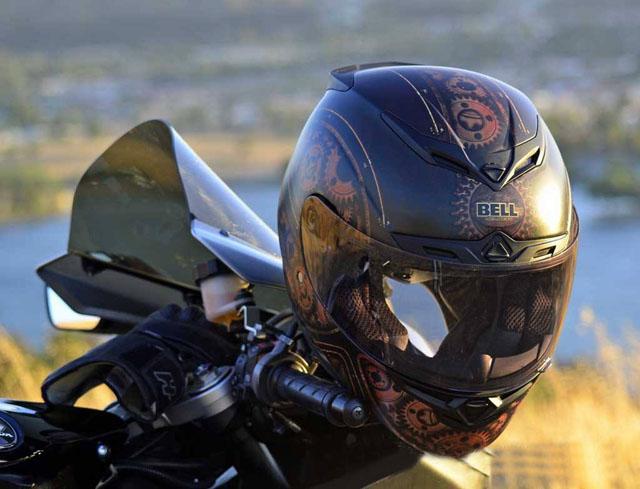 骑摩托车不戴头盔1.jpg