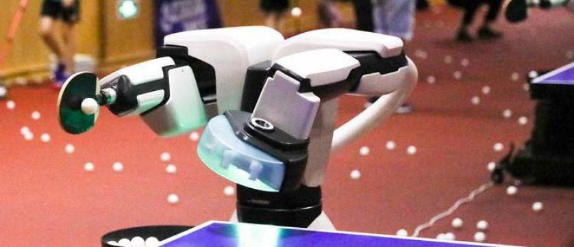 无情的发球机器!全球首台AI发球机器人在中国乒乓球学院诞生