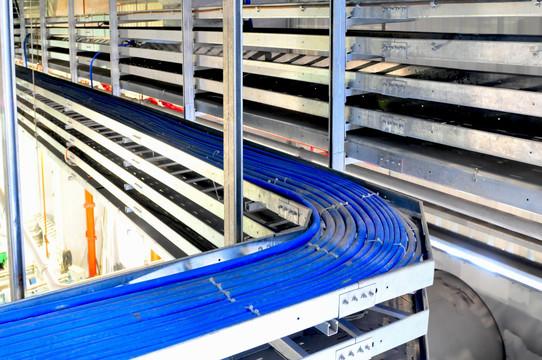 托盘式玻璃钢电缆桥架的应用范围