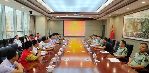 中国爱国主义志愿者协会联盟走进军营慰问部队官兵,迎接中国人民解放军建军93周年