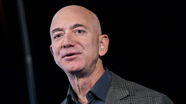 Bezos sells 2.5 billion U.S. dollars of Amazon stock, first large-scale cash out this year