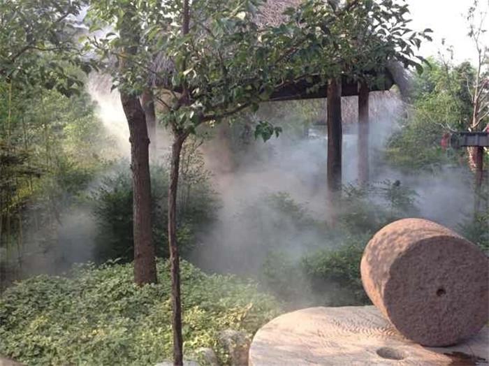 人造雾设备在花园造景中起到什么作用?