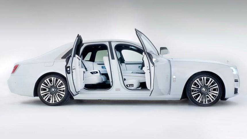 2021_Rolls-Royce_Ghost-34.jpg