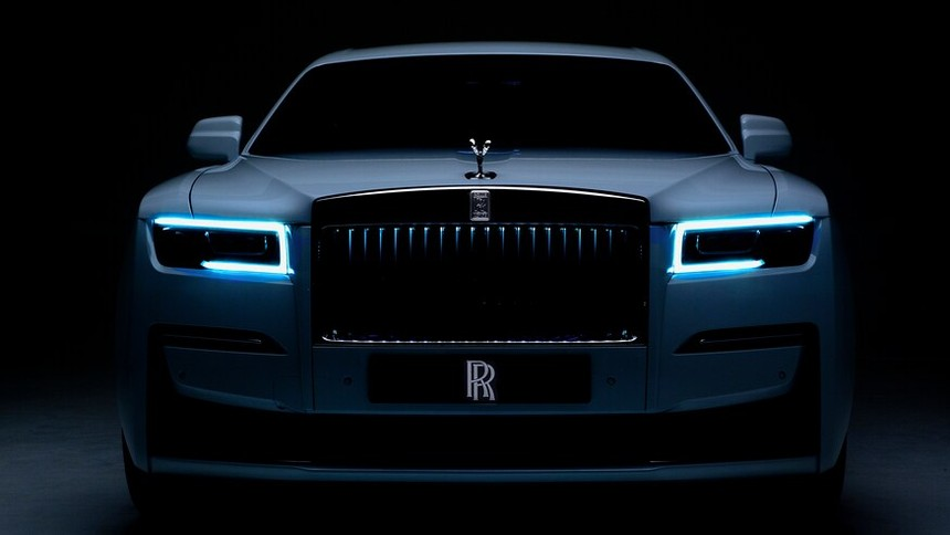 2021_Rolls-Royce_Ghost-24.jpg