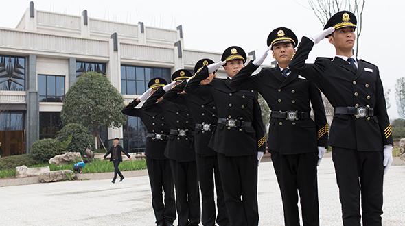南京保安公司讲解对讲机的使用规定