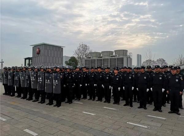 南京小区保安是怎么保护社区的