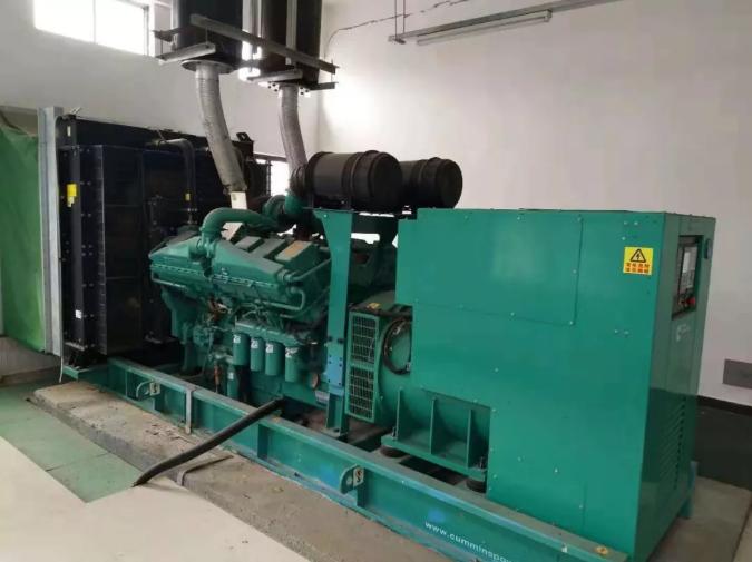 100KW康明斯柴油发电机组出租