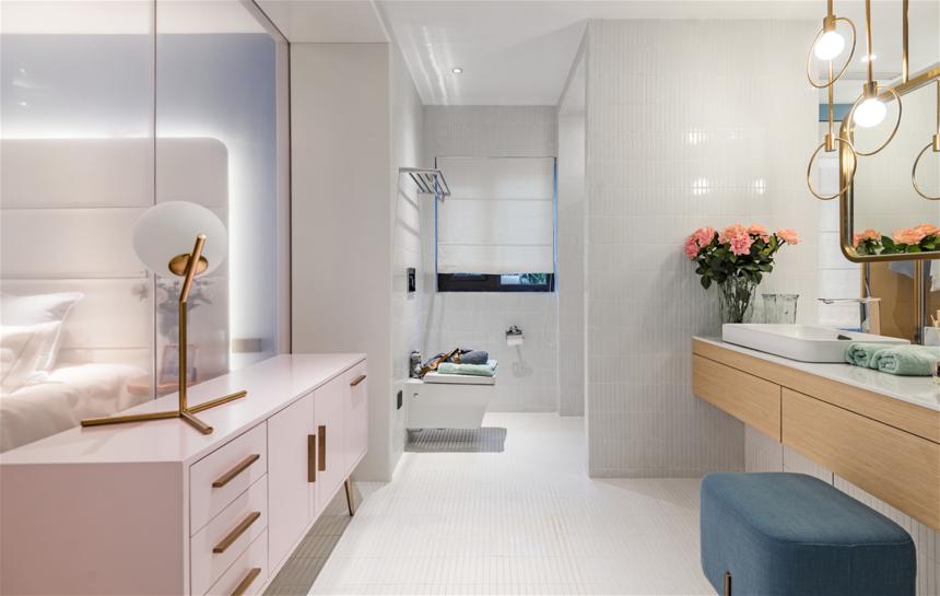 杭州轻奢风三居室卫生间装修效果图