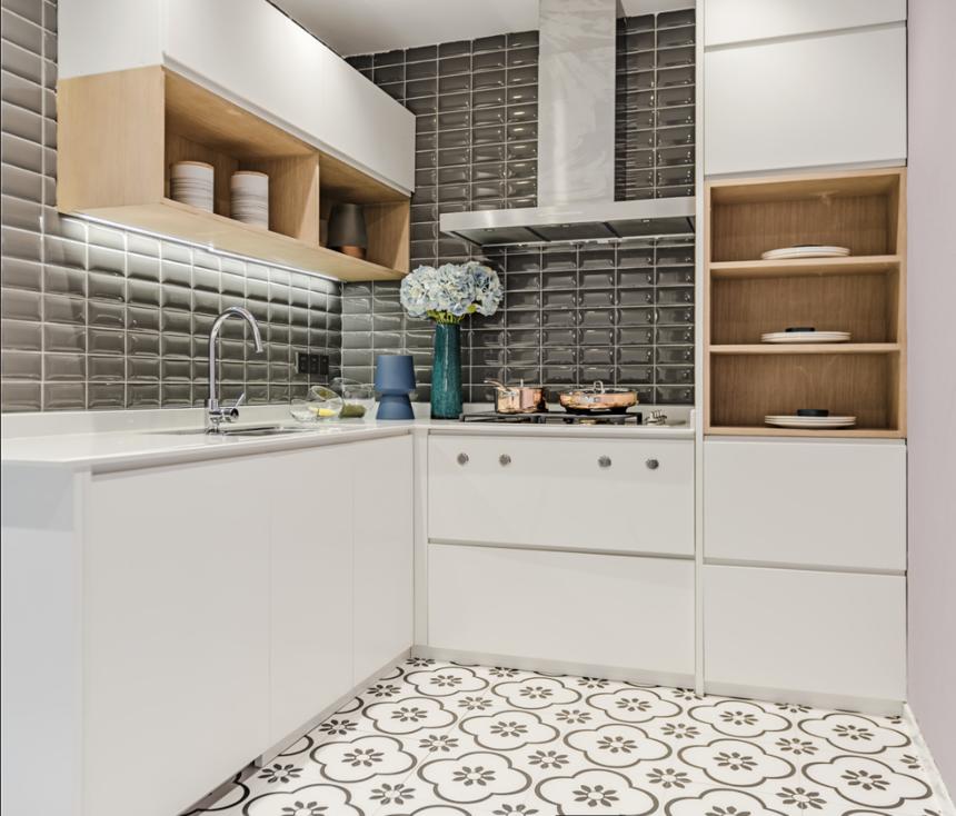 杭州装修公司案例:轻奢风三居室厨房装修效果图