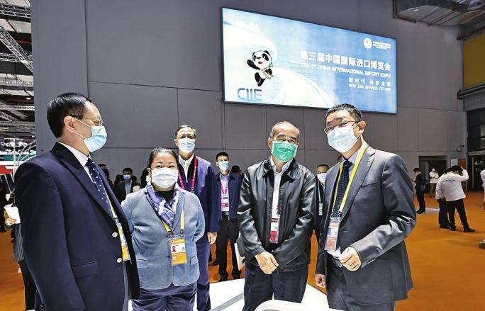 林武出席第三届进博会开幕式并参观展馆