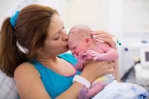 孕37周剖腹产孩子好吗