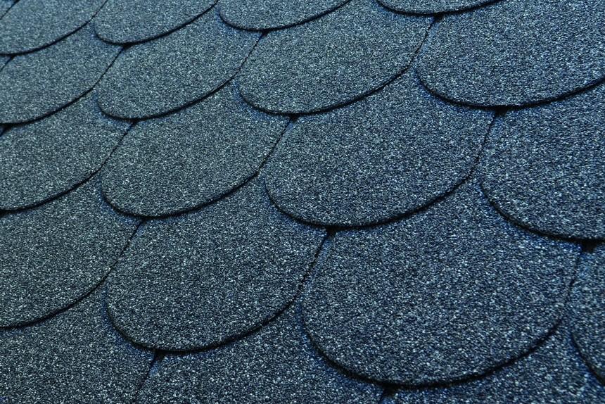 asfaltovy-sindel-charbit-hobby-stresni-sindel-bobrovka-cerny.jpg
