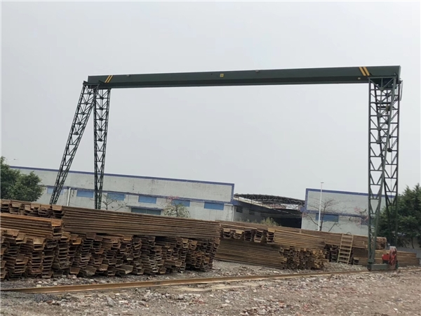 钢板桩施工中导架的安装!