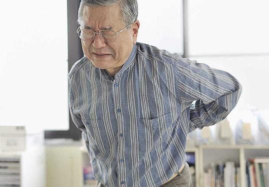 专门治疗腰椎间盘突出牵引床的特点