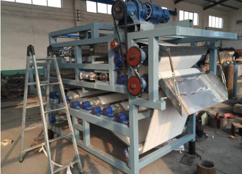 带式污泥压滤机出现液压油乳化现象的原因及解决方法